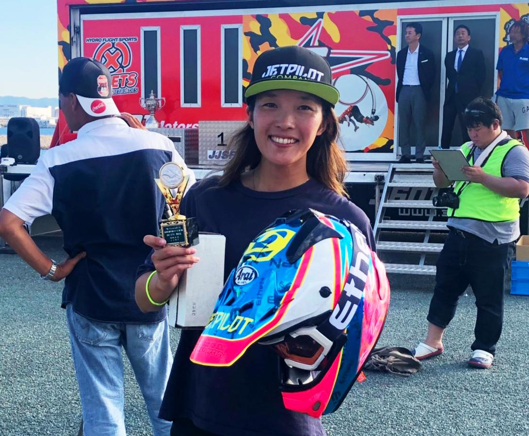 女性ジェットスキーレーサー上田真利奈
