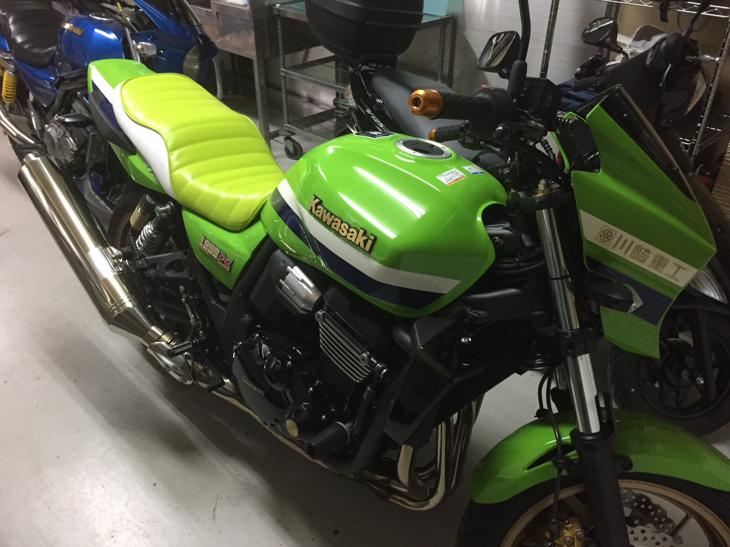 Kawasaki ZRX1200ダエグ シート張替え