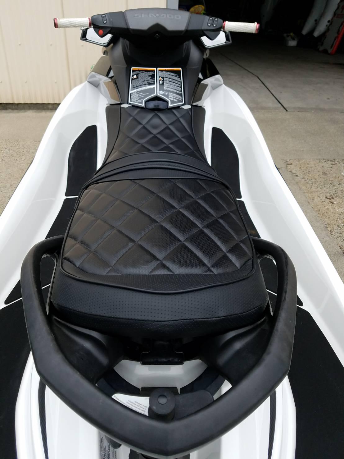 SEA DOO GTI130 シート張替え