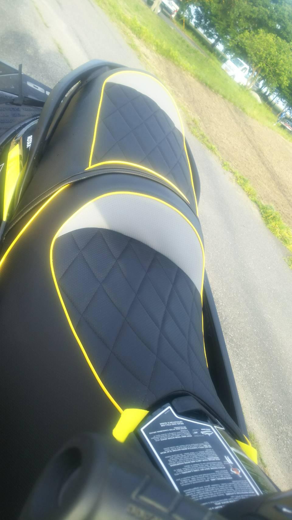 SEADOO GTR215 シート張替え