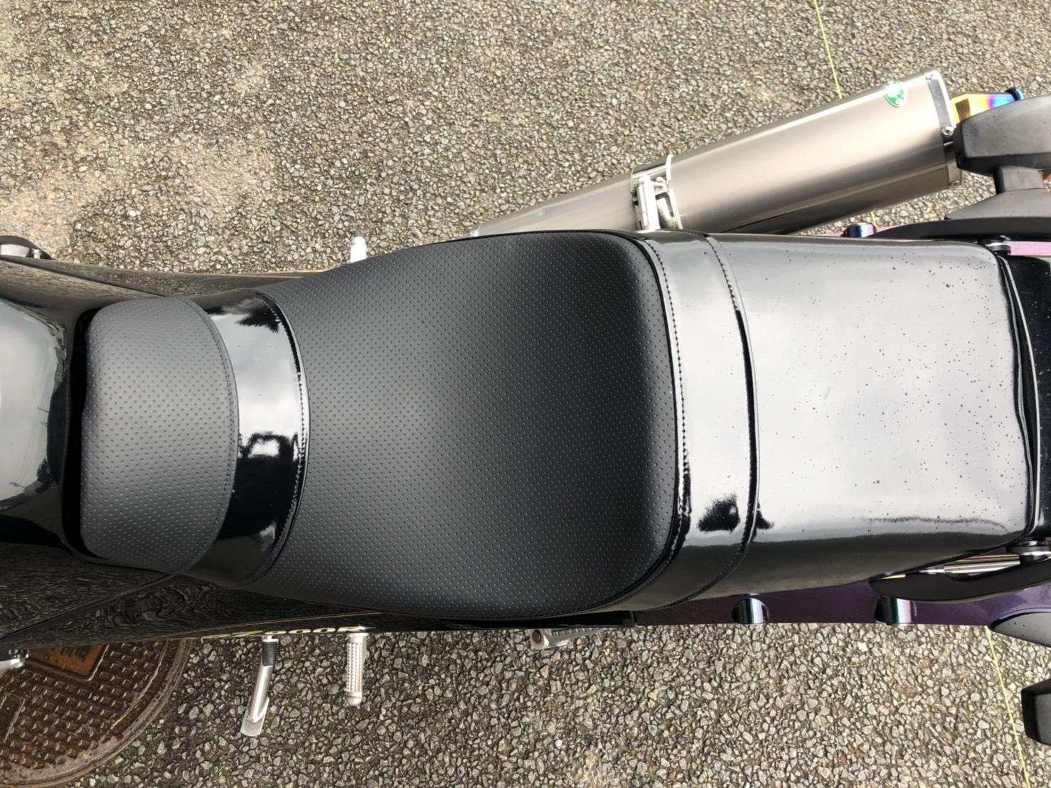GPZ900Rシート張替え