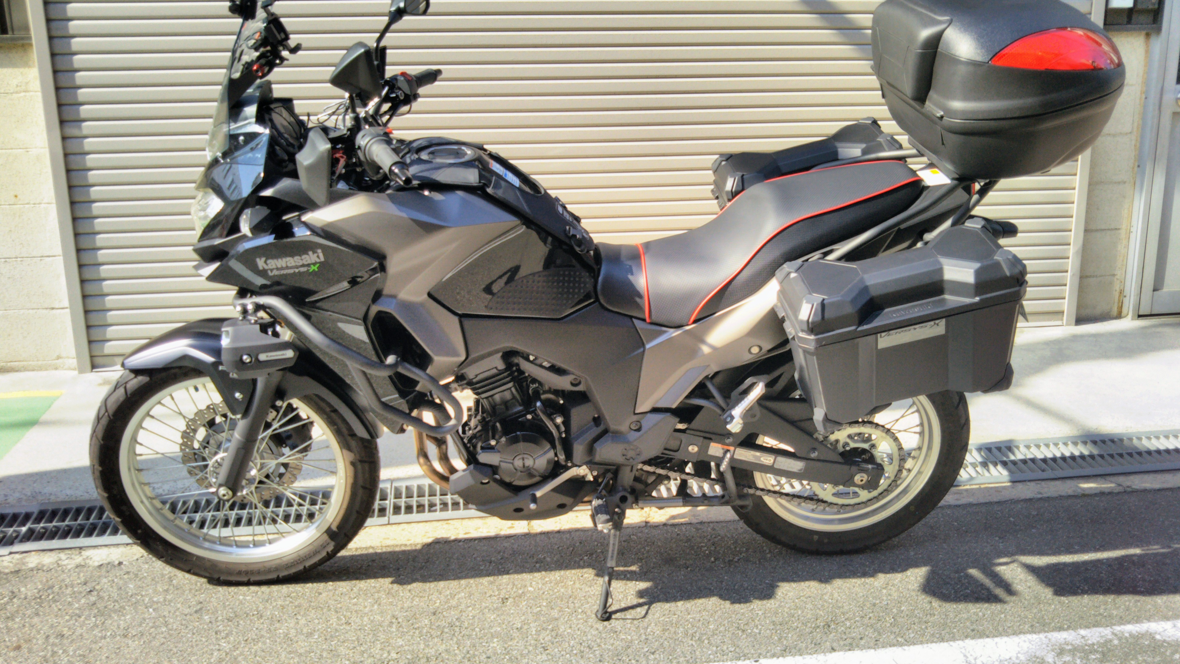 カワサキ Versys-X250シート張替え