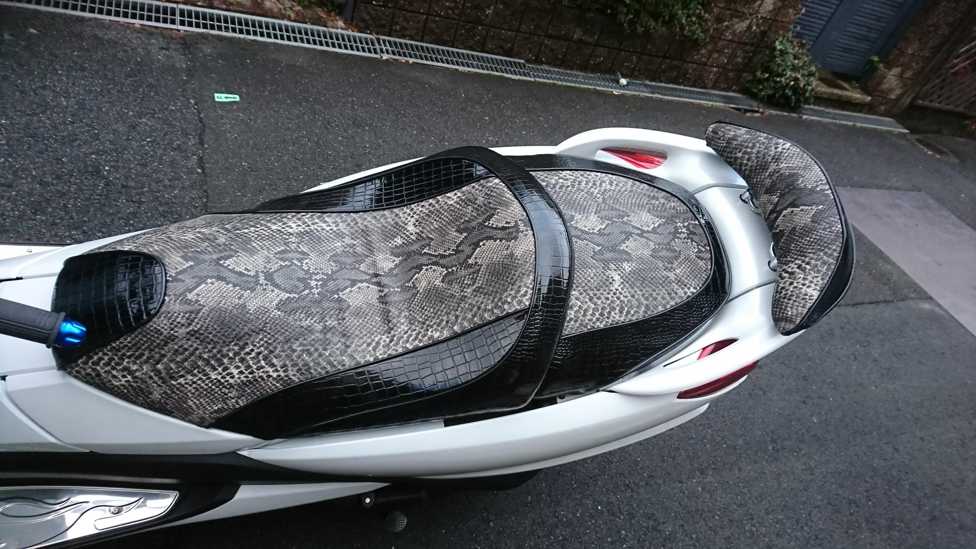 http://customseat.jp/first_website/customblog/DSC_0120.JPG