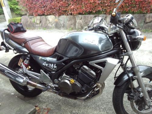 カワサキ バリオスシート張替え Kawasaki BALIUS