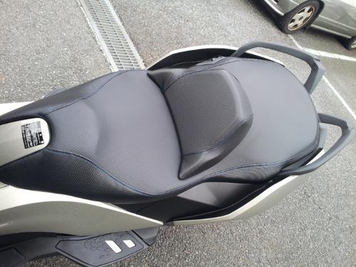 BMW C650GT ローダウンシート張替え