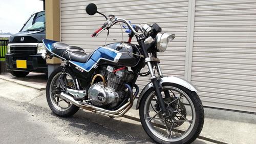 1981年式スズキGSX250E【ゴキ】 シート張替え