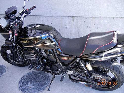 カワサキ ZRX1200 シート張替え 装着画像