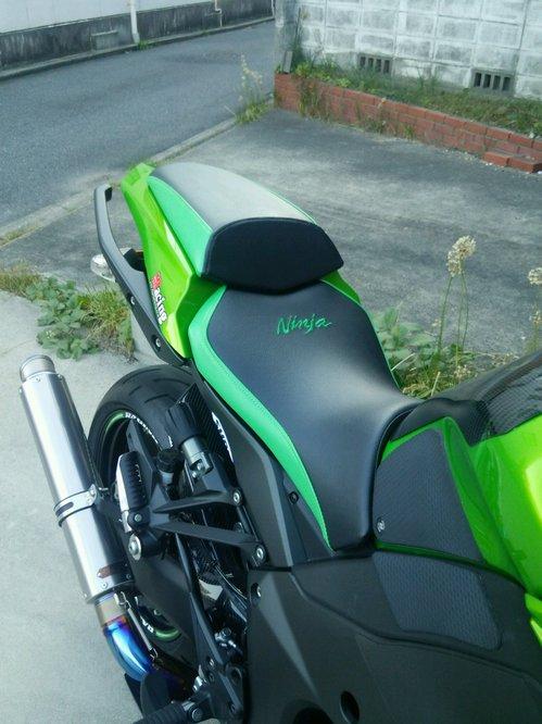 Kawasaki Z1000 シート張替え 装着画像