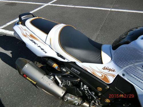 カワサキ Ninja ZX-14R(ZZR1400)シート張替え