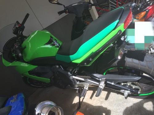 Ninja400R シート張替え&低反発スポンジ加工
