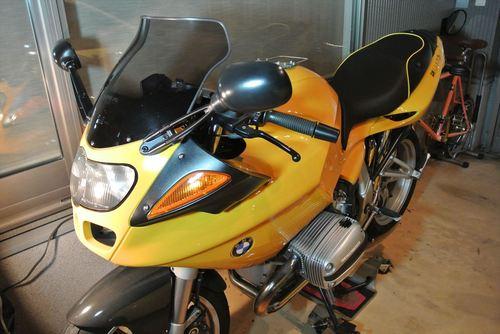 BMW R1100S シート張替え