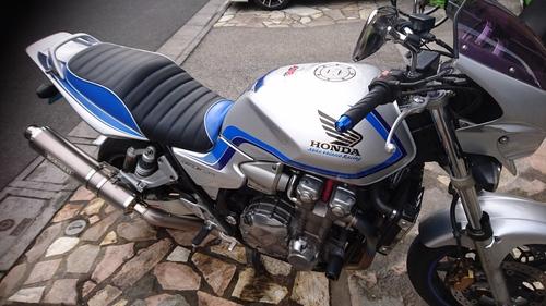 HONDA CB1300SF SC54 シート張替え