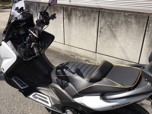 T-MAX530 シート張替え&低反発スポンジ加工