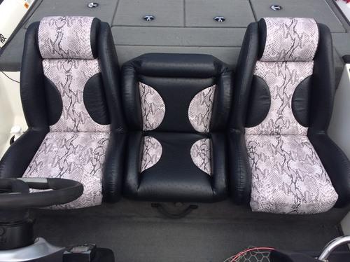 2006年式 ストラトス195pro バスボートシート張替え