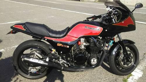 カワサキ GPZ750 シート張替え